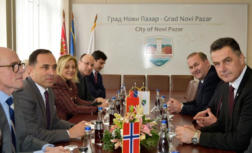bisevac sa ambasadorima turske i norveske