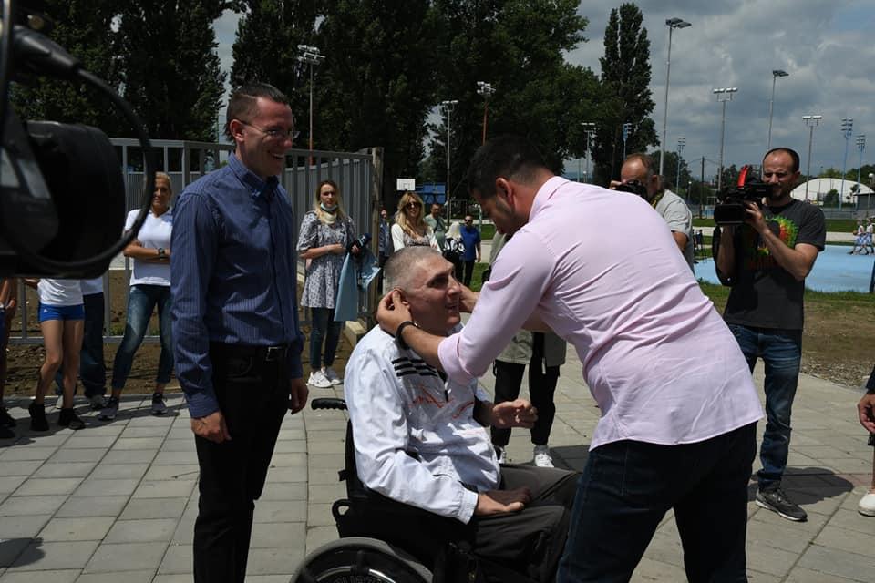 Vanja Udovičić čestita rođendan Danilu Jovanov